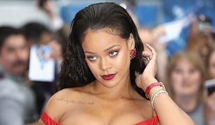 Rihanna w kreacji od Giambattista Valli. Chciała ukryć, że przytyła?