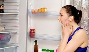 Jak usunąć brzydki zapach z lodówki?