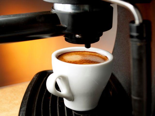 Polacy piją coraz więcej kawy