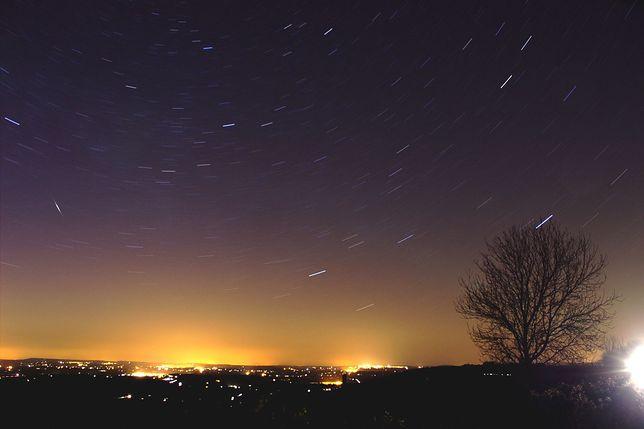 W ten weekend warto obserwować nocne niebo. Jowisz i Saturn zachwycą