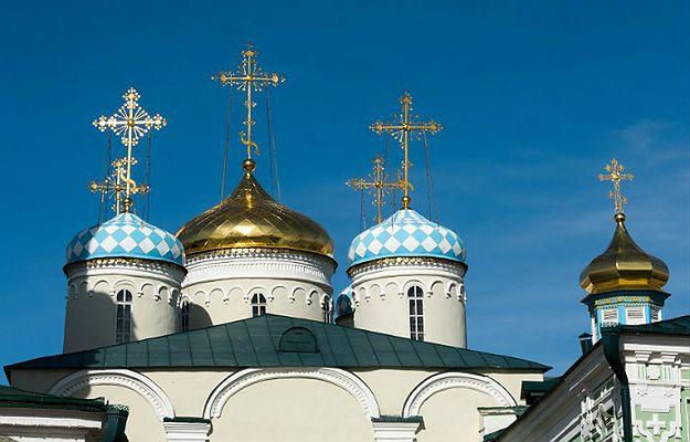 Dmitrij Miedwiediew został diakonem. Cerkiew wyjaśnia: nie chodzi o premiera Rosji