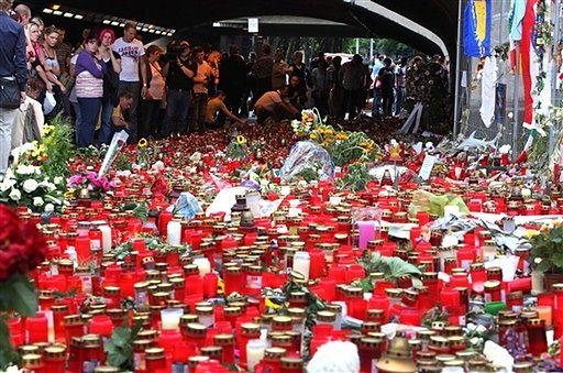 Marsz ku czci ofiar Love Parade - zobacz zdjęcia