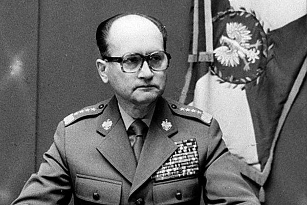 Wojciech Jaruzelski ogłasza stan wojenny