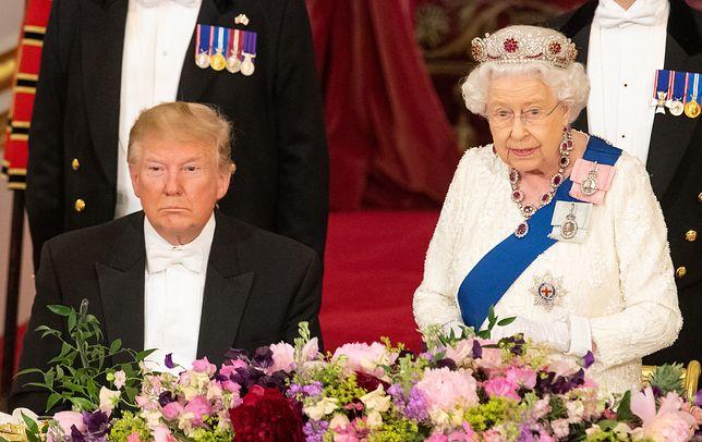 Na spotkanie z Donaldem Trumpem królowa Elżbieta II włożyła tiarę. Podobno nieprzypadkowo