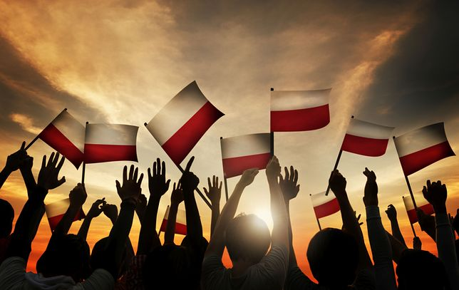 Wspólne odśpiewanie Hymnu Państwowego to ważny element obchodów rocznicy 100-lecia odzyskania przez Polskę niepodległości