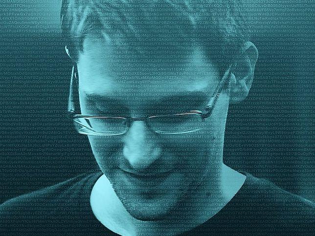 Edward Snowden: nie ufajcie swoim telefonom. To etui pokaże, czy jesteś inwigilowany