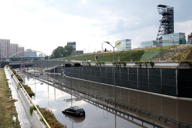 Ulewa w Katowicach zalała m.in. tunel przy Spodku