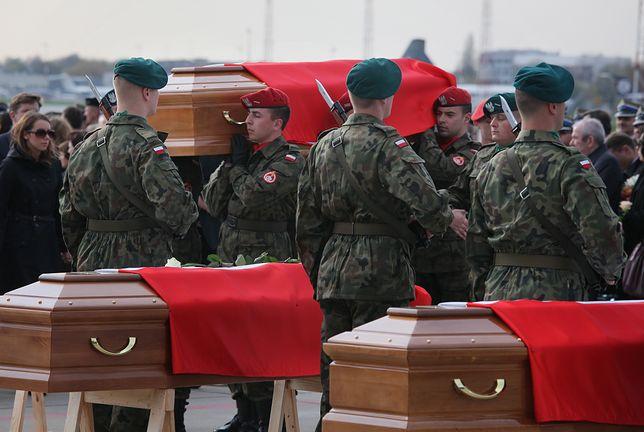 """Odszkodowania dla rodzin ofiar katastrofy smoleńskiej? Polacy mówią """"nie"""""""