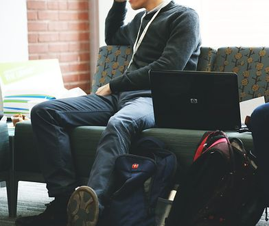 UKE prześwietliło ceny internetu mobilnego.  Średni miesięczny koszt to 1,5 proc. pensji