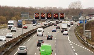 Ruchliwa autostrada A2 w Niemczech.