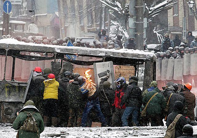 Na ulicach Kijowa polała się krew - zdjęcia