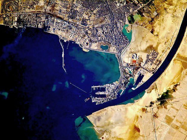 Port Said i wejście do Kanału Sueskiego
