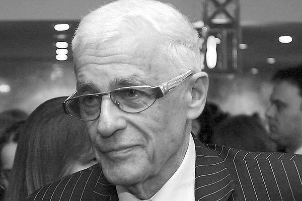 Zmarł Adam Hanuszkiewicz, artysta życia i teatru