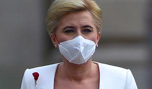 Agata Duda solidaryzuje się z chorymi. Pokazała swoje zdjęcia ze szpitali