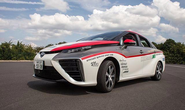 Sportowy debiut Toyoty Mirai w Rajdzie Niemiec