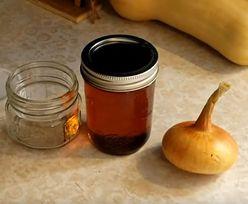 Przepis na syrop z cebuli. Nic tak nie pomaga na kaszel i nie wspiera odporności!