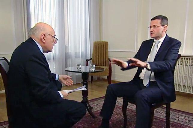 """Mateusz Morawiecki i dziennikarz Tim Sebastian w programie """"Conflict Zones""""."""