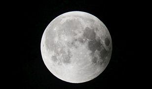 Dziwne błyski na Księżycu. Naukowcy nie wiedzą, co się dzieje
