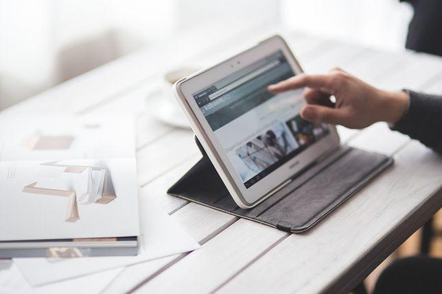 Niektóre urządzenia łączą funkcjonalność laptopa i wygodę tableta
