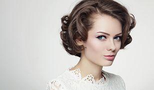 Fryzury ślubne – krótkie włosy z grzywką