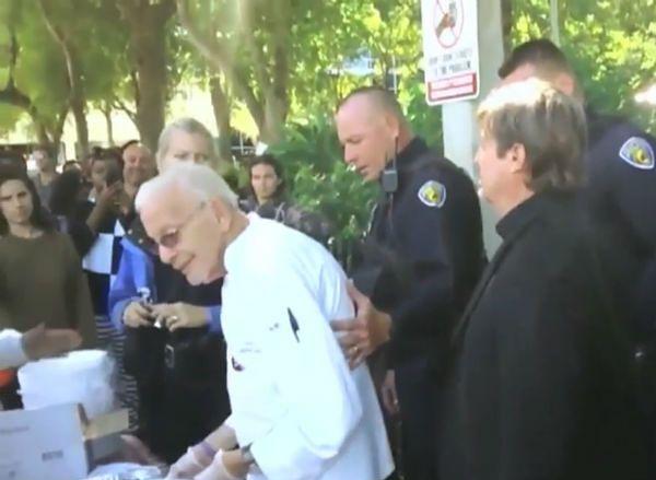 90-latek aresztowany za karmienie bezdomnych