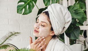 Naturalne kosmetyki na wiosnę, czyli co warto mieć w swojej kosmetyczce