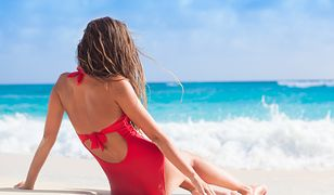 Wyglądaj seksownie na urlopie – jednoczęściowe stroje kąpielowe