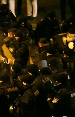 Strajk Kobiet. Barbara Nowacka opublikowała kolejne nagranie z sobotnich zajść