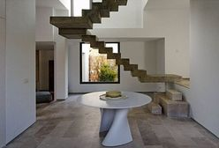 Te schody powinny się znaleźć na obrazie Dalego