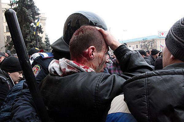 Jeden z rannych podczas zamieszek na Majdanie