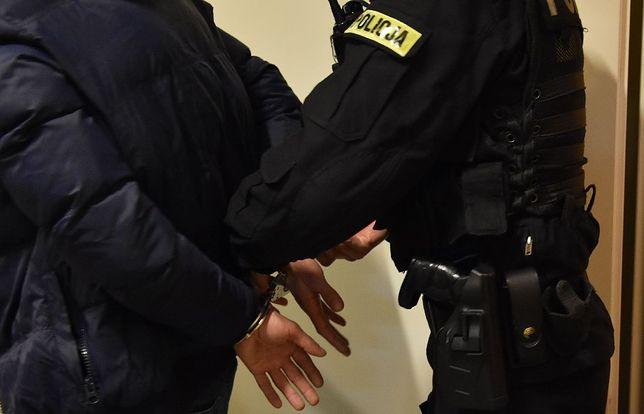Zielona Góra. Spotkanie pracownika pizzerii z policjantką zakończyło się aresztem.