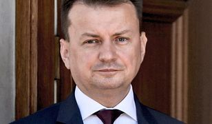 Mariusz Błaszczak inwestuje w pracowników. Chce, by umieli zachować się w towarzystwie
