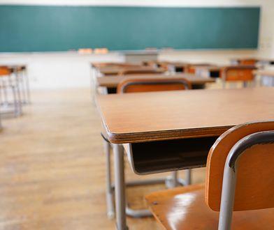 """""""Kto będzie uczył nasze dzieci, jeśli dziś nauczyciele zarabiają mniej niż kasjerzy z dyskontów?"""" - pyta w liście nasza Czytelniczka."""