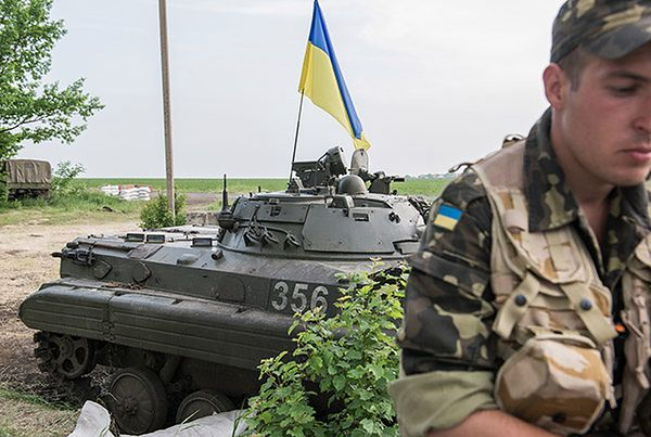 """Poroszenko """"daleki od euforii"""" i zapowiada dalszą walkę z separatystami"""