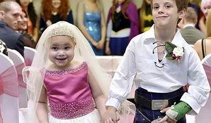 """Oni nie będą żyć długo i szczęśliwie. Nieuleczalnie chora dziewczynka """"poślubiła"""" przyjaciela"""