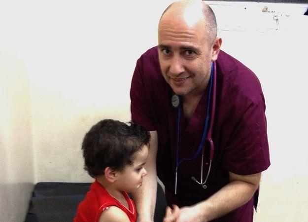 Dr Paweł Kukiz-Szczuciński dla WP: pomaganie uchodźcom, tam gdzie tego potrzebują, jest najlepszym rozwiązaniem