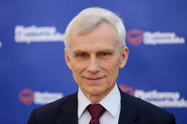 """Poseł PO przyjął pod dach uchodźców. Twierdzi, że TVP """"przerabia Polaków na ksenofobów"""""""