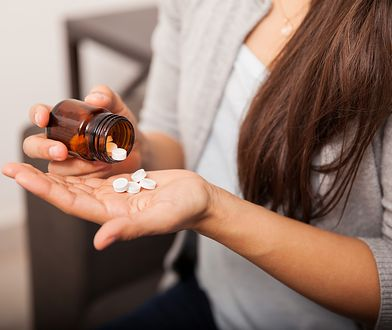Stosowanie aspiryny na włosy może przynieść korzyści, o jakich nie myślałaś.
