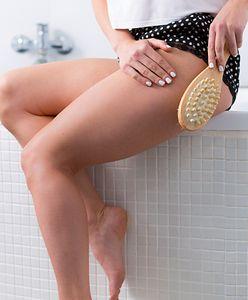 Szczotkowanie skóry na sucho. Poprawia wygląd i oczyszcza z toksyn