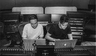 Blinders i Martin Garrix podczas pracy w studiu muzycznym