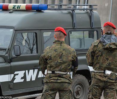 Atak żołnierza koło Radomia. Ciężarna kobieta walczy o życie. Dziecko nie żyje