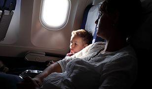 Samolot opanowały pluskwy. Dziecko dotkliwie pogryzione