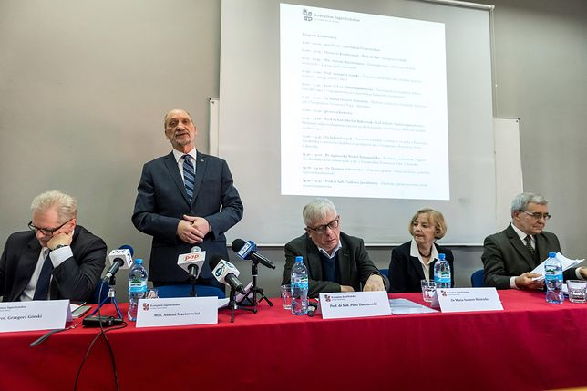 W MON zaprezentowano raport podkomisji smoleńskiej