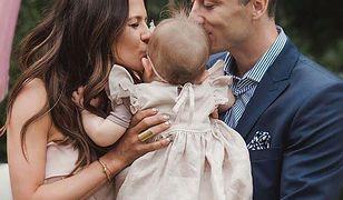 """Klara Lewandowska z rodzicami na wakacjach. """"Piękna, szczęśliwa rodzinka"""""""