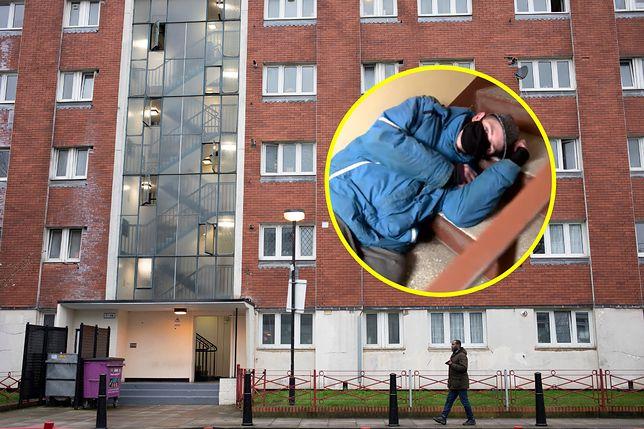 Niepełnosprawny Kacper sypia na klatkach schodowych