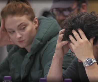 """Kit Harrington, czyli serialowy Jon Snow, czyta scenariusz ostatnich scen """"Gry o tron"""""""