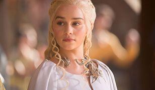 """W """"Grze o tron"""" Emilia Clarke wcieliła się w Daenerys Targaryen"""