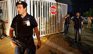 Grecja: policja zdetonowała bombę w centrum Aten po anonimowym telefonie