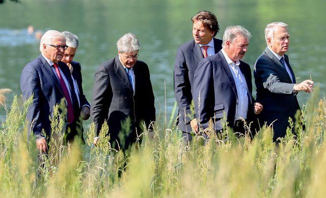 Ministrowie spraw zagranicznych Francji i Niemiec Jean-Marc Ayrault i Frank-Walter Steinmeier podczas spotkania w Berlinie po referendum w Wielkiej Brytanii