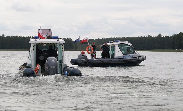 Piotr Woźniak-Starak poszukiwany. Akcję na jeziorze Kisajno prowadzono do zmroku